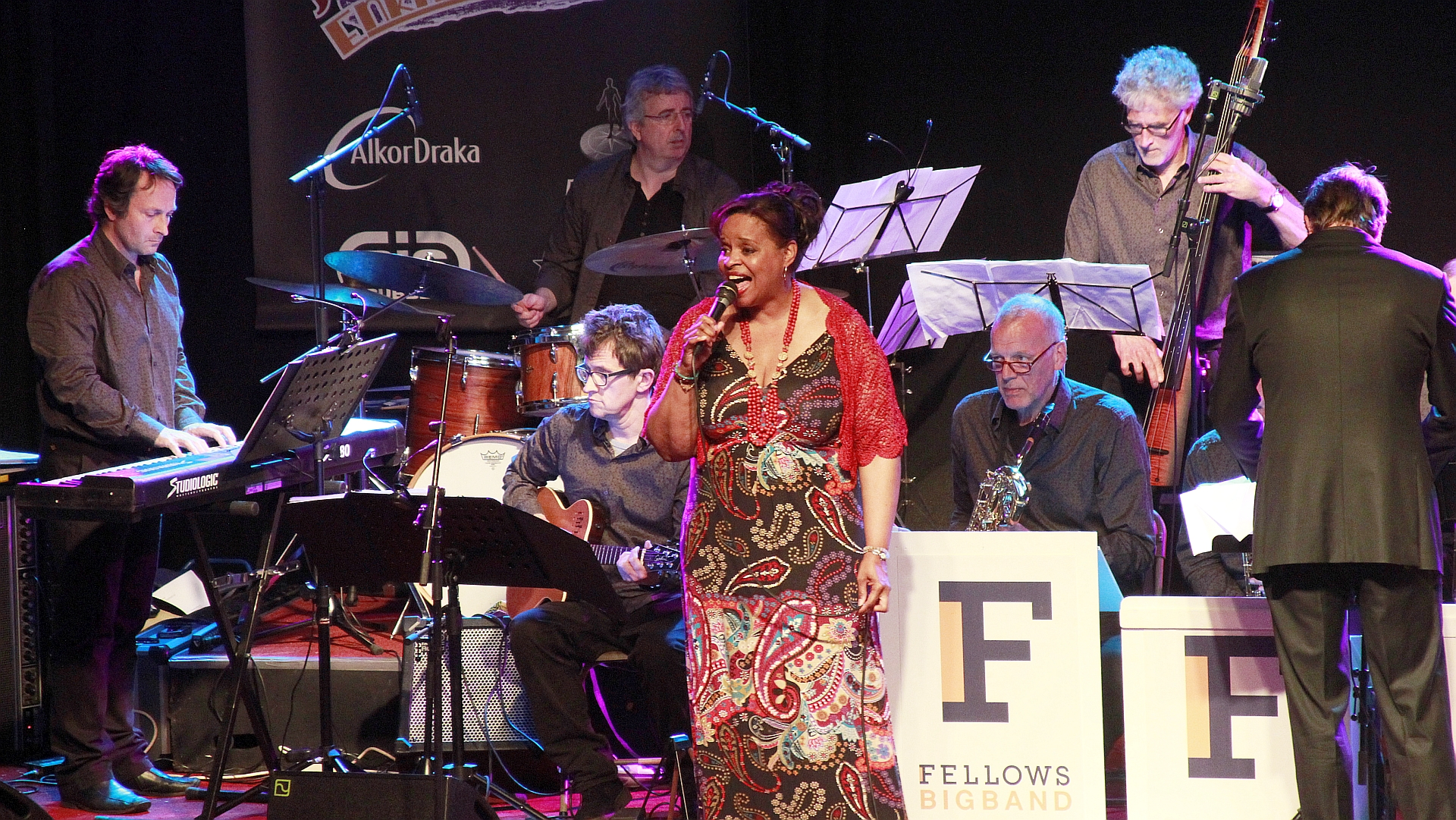 17 Fellows Big Band & Deborah Carter